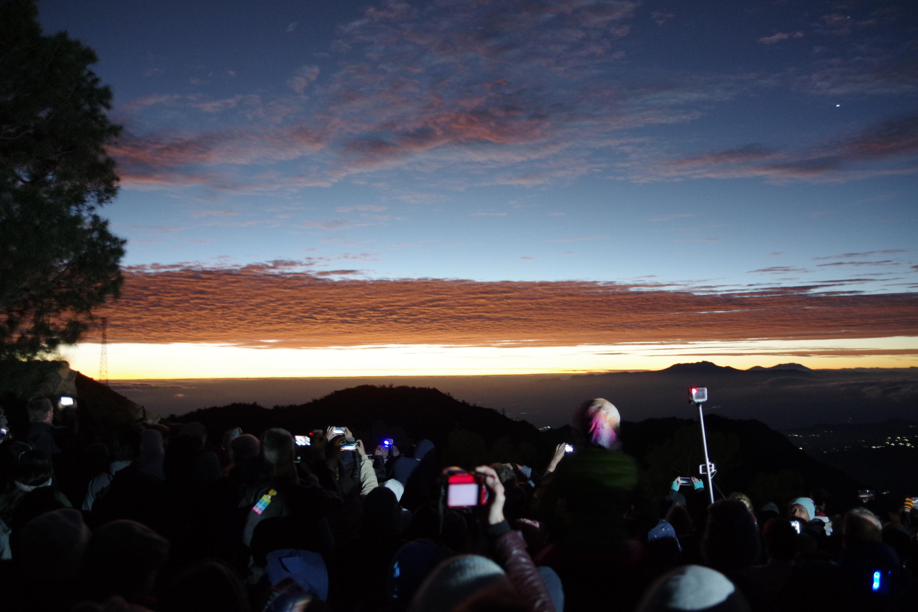 Đi Indo, ngắm bình minh núi lửa Bromo - Ảnh 6.