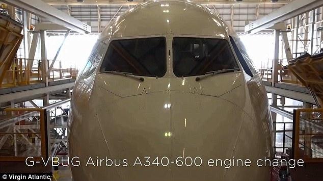 Clip động cơ Roll-Royce được lắp vào cánh máy bay ngoạn mục - Ảnh 3.