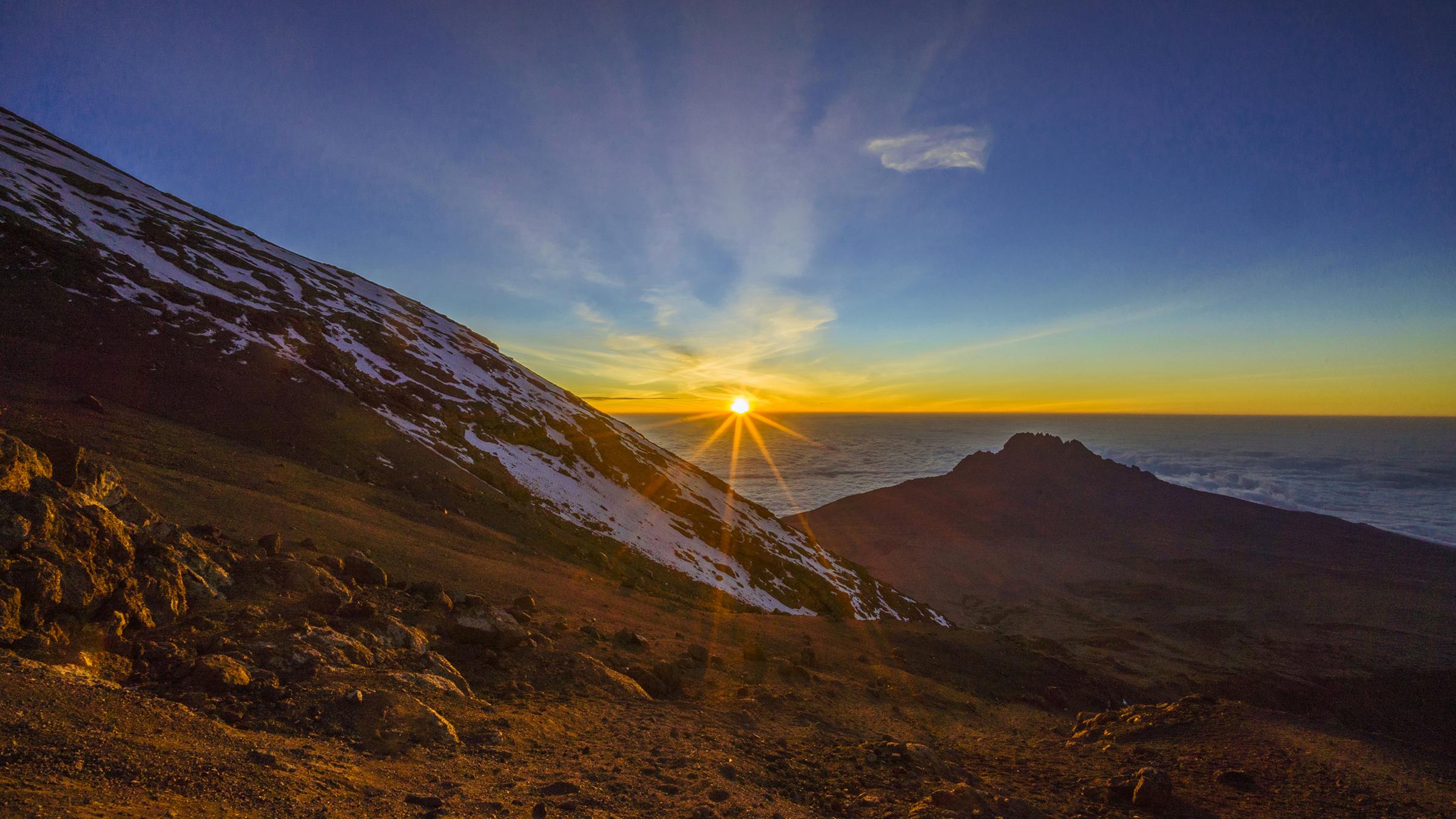 Kilimanjaro: Hết ngày dài lại đêm thâu, chúng ta đi leo núi Phi châu - Ảnh 15.