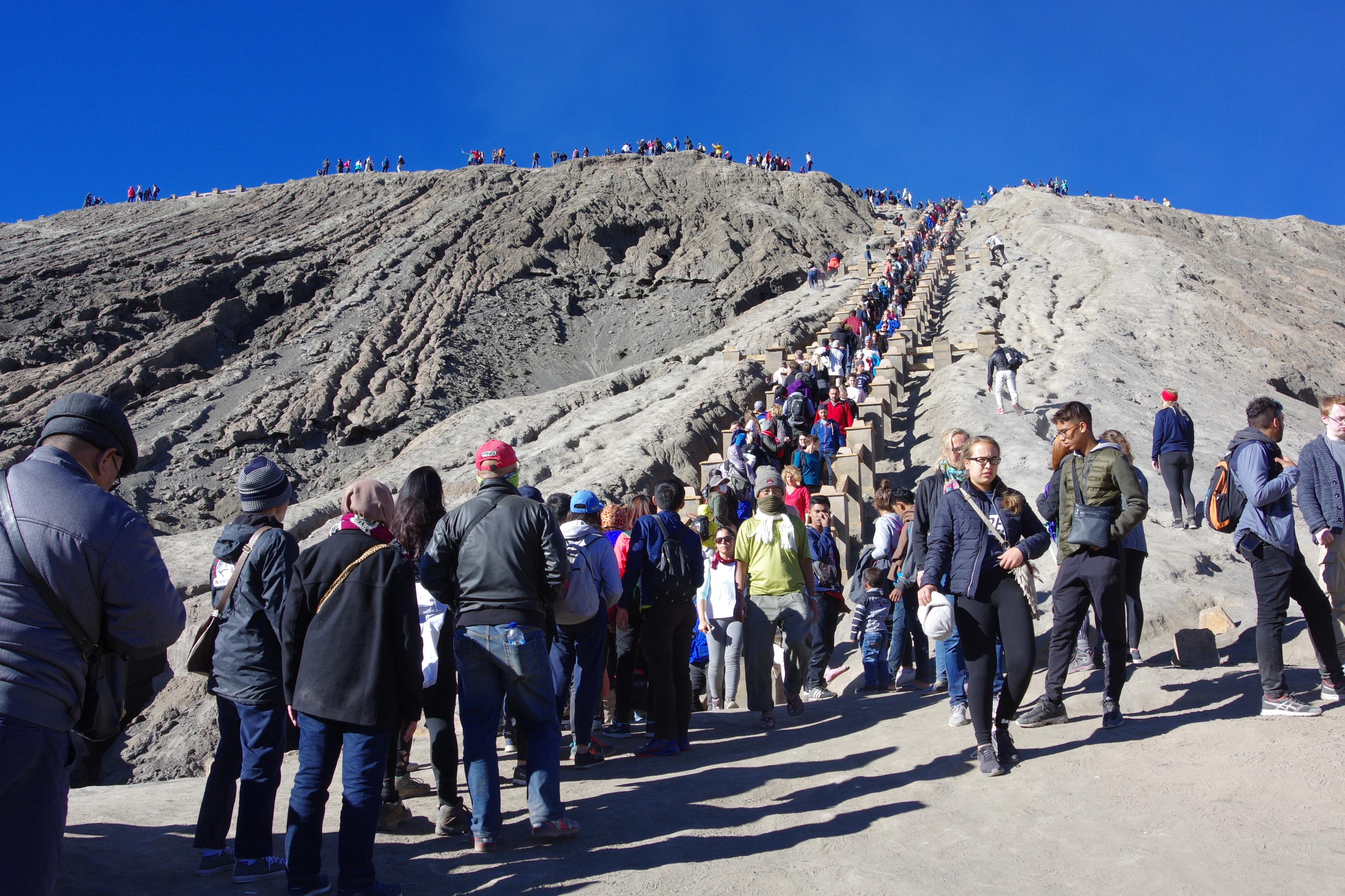 Đi Indo, ngắm bình minh núi lửa Bromo - Ảnh 11.