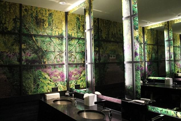 Những nhà vệ sinh đẹp lung linh - Ảnh 5.