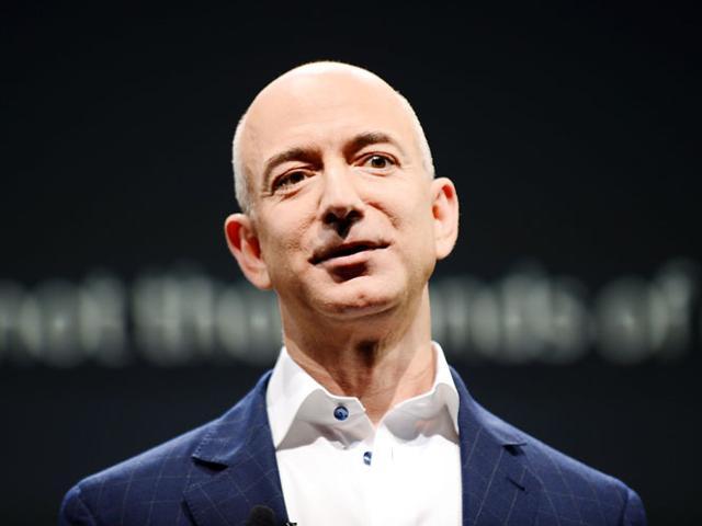 Ông chủ Amazon soán ngôi Bill Gates trong vài giờ - Ảnh 1.