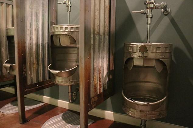 Những nhà vệ sinh đẹp lung linh - Ảnh 8.