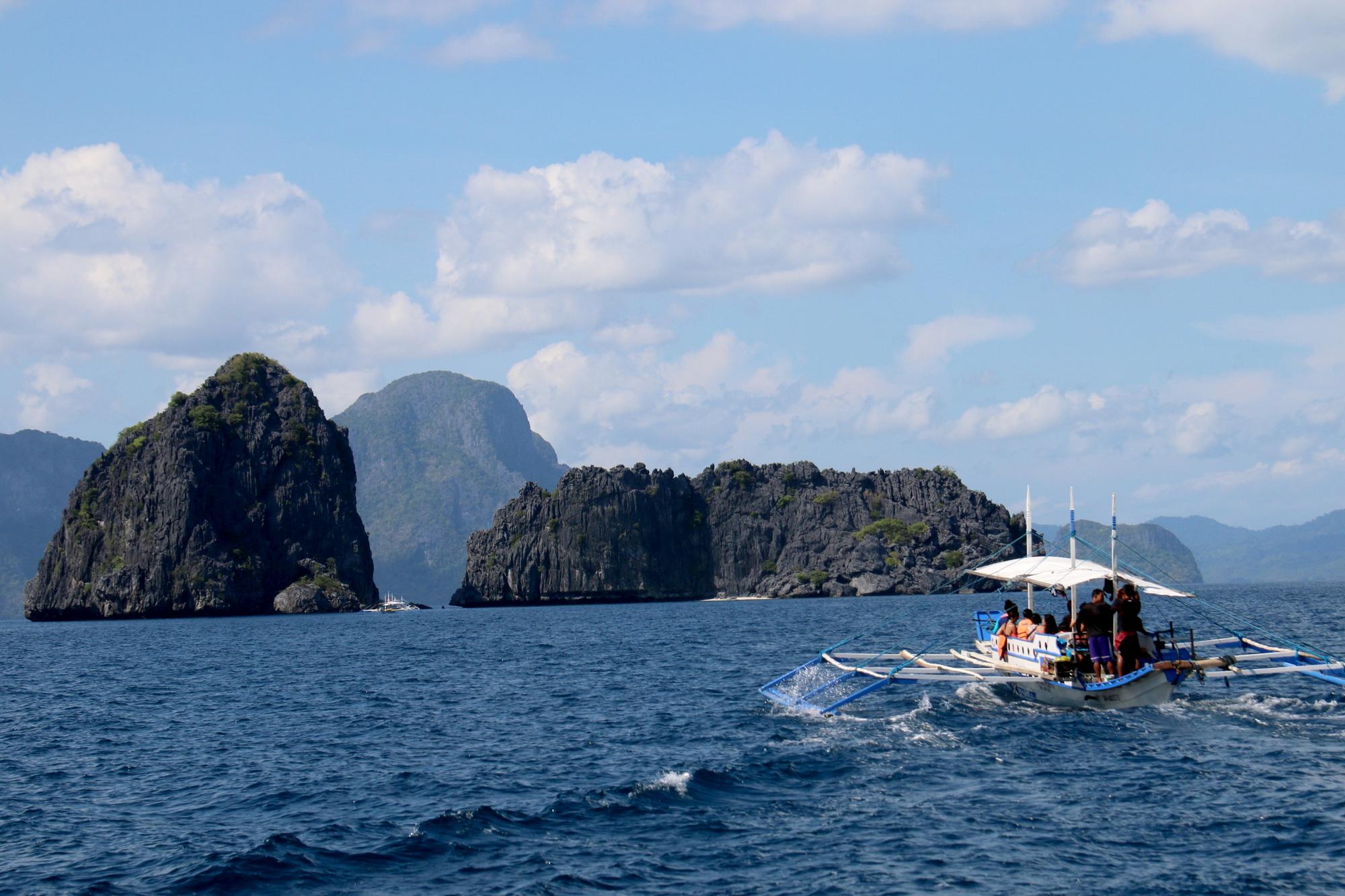 Sang Philippines vẫy vùng trên biển El Nido - Ảnh 1.