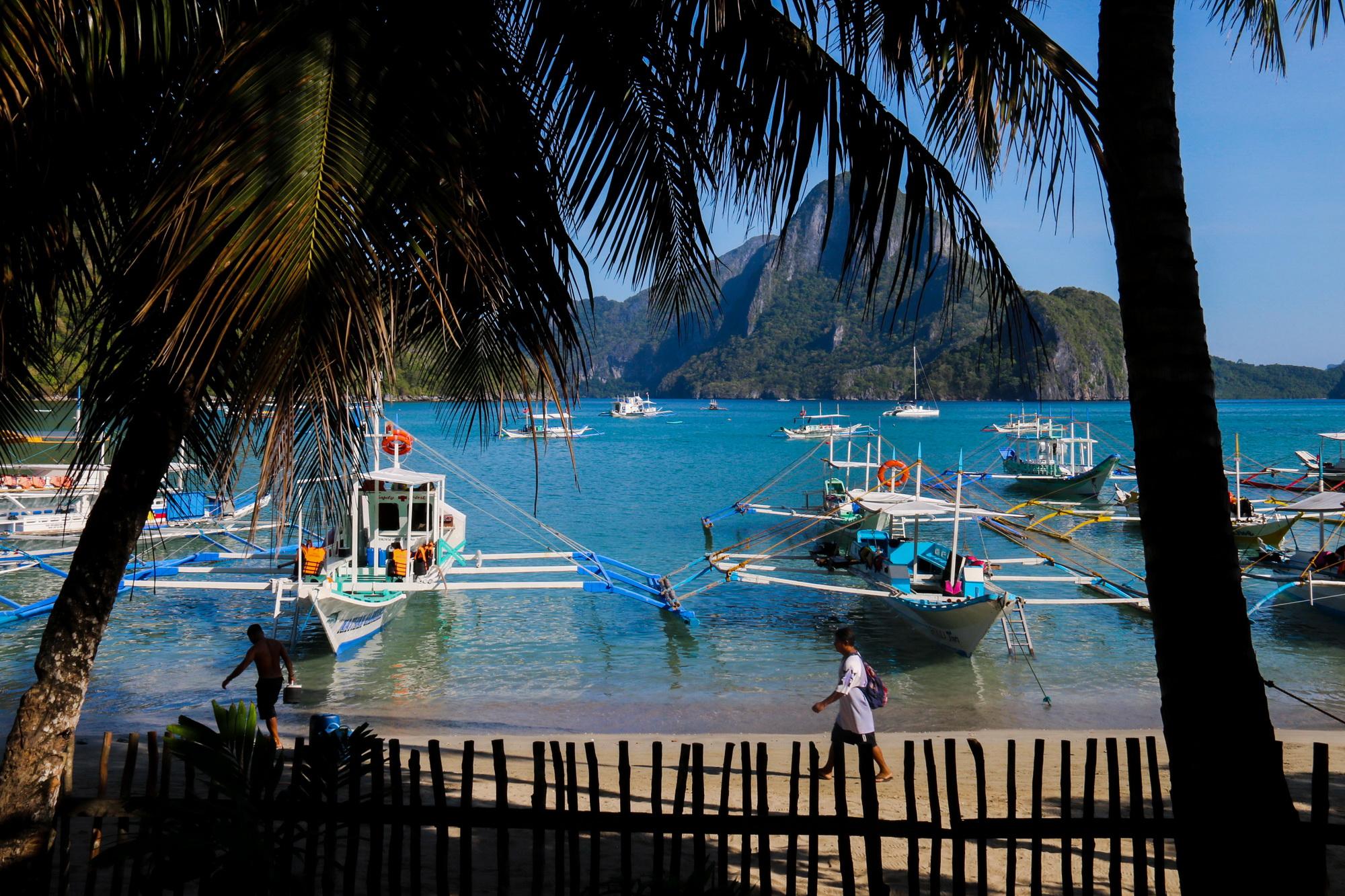 Sang Philippines vẫy vùng trên biển El Nido - Ảnh 10.