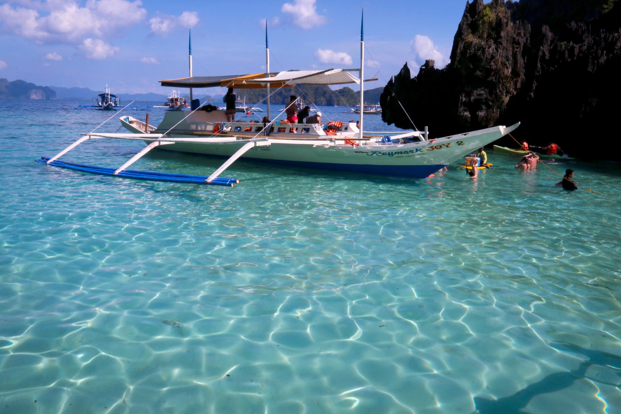 Sang Philippines vẫy vùng trên biển El Nido - Ảnh 11.