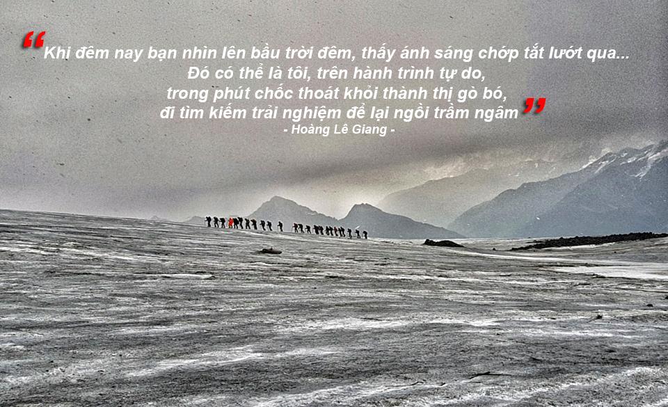 Hoàng Lê Giang phất cờ Tổ quốc tung bay trên đỉnh núi cao nhất châu Âu - Ảnh 8.
