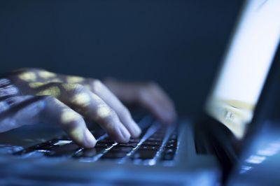 Tài khoản ngân hàng của bạn có thể bị hack bởi phần mềm độc hại Emotet - Ảnh 1.