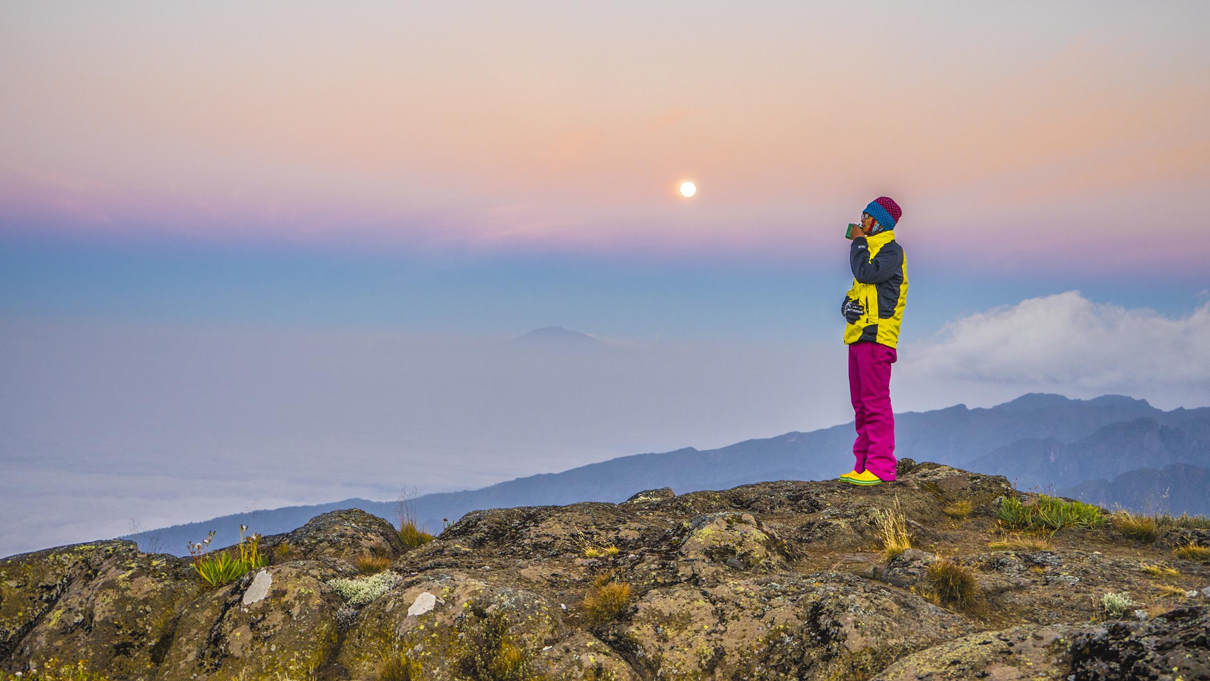 Kilimanjaro: Hết ngày dài lại đêm thâu, chúng ta đi leo núi Phi châu - Ảnh 22.
