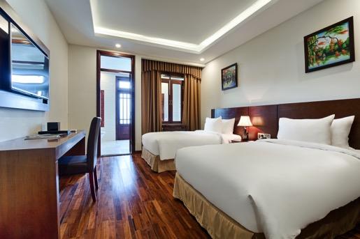 Đến núi Thần Tài, nghỉ dưỡng khách sạn 4 sao với giá 0 đồng - Ảnh 1.
