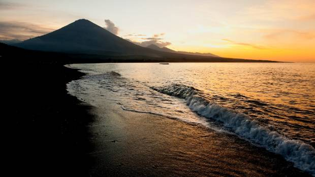 Đi Bali coi chừng thảm họa núi lửa phun trào - Ảnh 1.