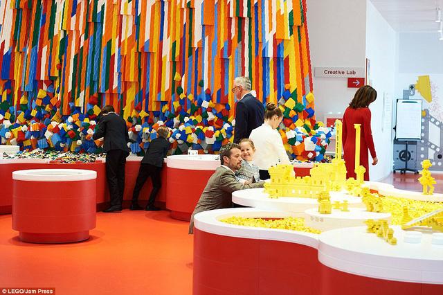 Ghé thăm ngôi nhà Lego với 25 triệu mảnh xếp hình - Ảnh 2.