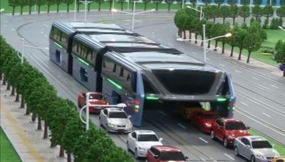 Trung Quốc thử nghiệm chạy tàu điện trên đường ray ảo - Ảnh 2.