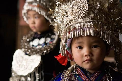 Những trang phục truyền thống đặc sắc và kỳ lạ khắp thế giới - Ảnh 3.