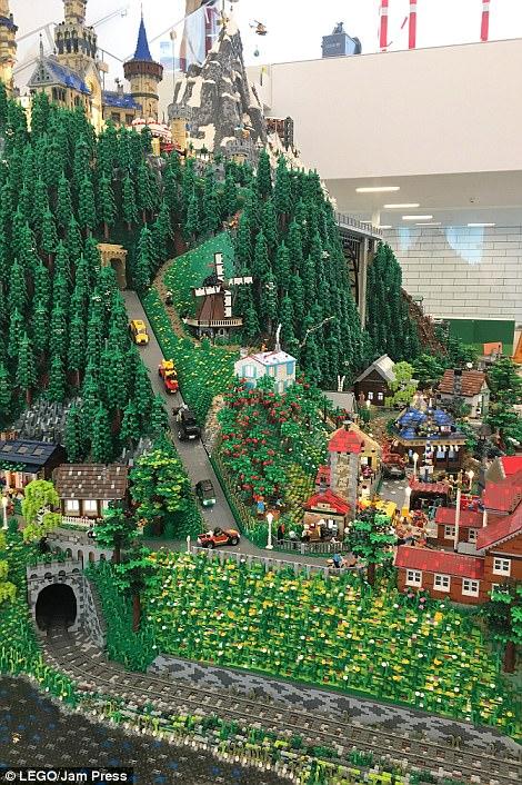 Ghé thăm ngôi nhà Lego với 25 triệu mảnh xếp hình - Ảnh 3.
