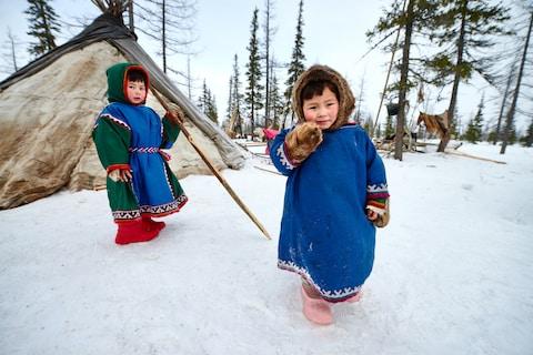 Những trang phục truyền thống đặc sắc và kỳ lạ khắp thế giới - Ảnh 6.