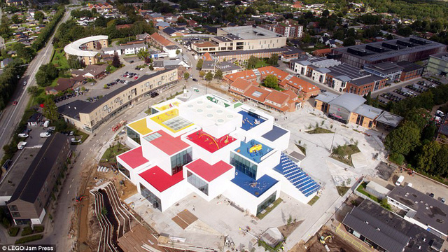 Ghé thăm ngôi nhà Lego với 25 triệu mảnh xếp hình - Ảnh 6.