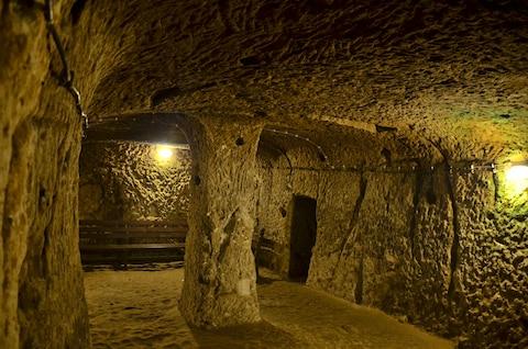 Thám hiểm thành phố cổ dưới lòng đất từng là nơi ẩn náu của 20.000 người - ảnh 8