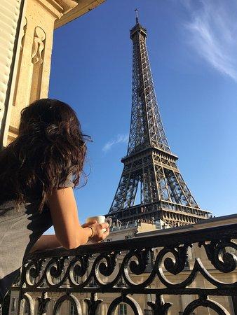 7 khách sạn giúp bạn ngắm Eiffel, Taj Mahal, Empire State... ngay từ phòng ngủ - Ảnh 1.