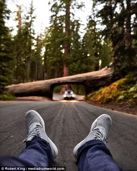 Mốt chụp chân tại các điểm du lịch khét tiếng - Ảnh 11.