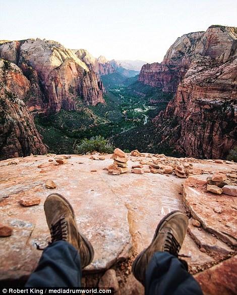 Mốt chụp chân tại các điểm du lịch khét tiếng - Ảnh 12.