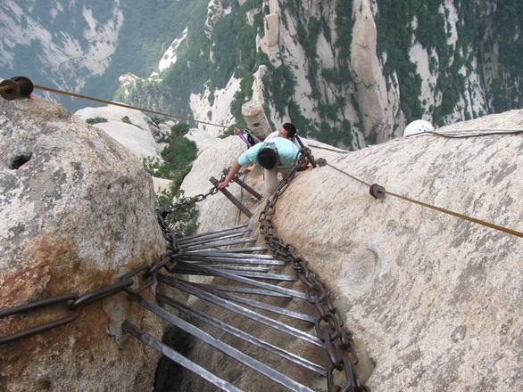 Đường leo núi đáng sợ nhất thế giới: bạn dám đi không? - Ảnh 6.