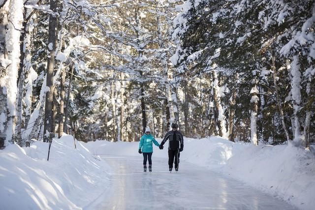 Những hồ băng tự nhiên tuyệt đẹp vào mùa đông - Ảnh 1.