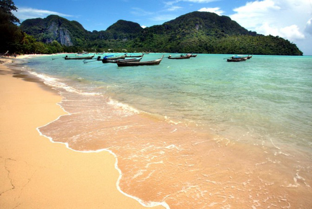 10 bãi biển đẹp nhất thế giới chờ bạn đến tắm - Ảnh 5.