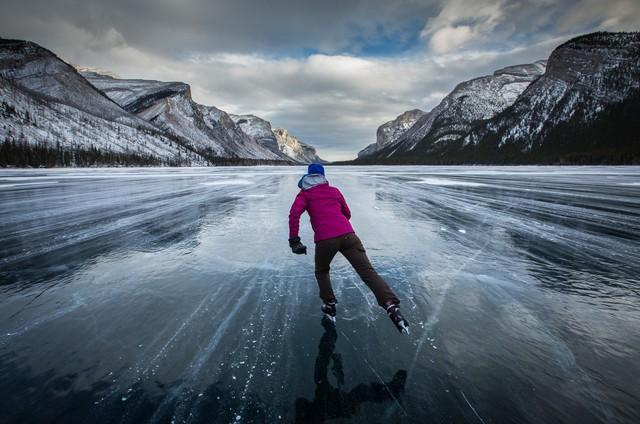 Những hồ băng tự nhiên tuyệt đẹp vào mùa đông - Ảnh 2.