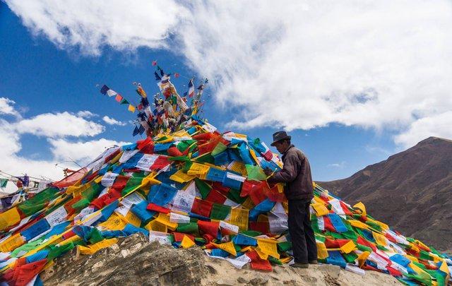 Nếu bạn từng lên voi xuống chó, sẽ thấy nhân tình thế thái vô thường ở Tây Tạng - Ảnh 5.