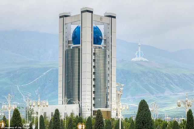 Ghé thăm đất nước bí ẩn Turkmenistan - Ảnh 2.