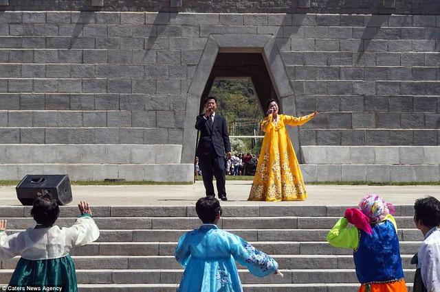 Lọt vào trong công viên giải trí Triều Tiên có gì vui? - Ảnh 2.