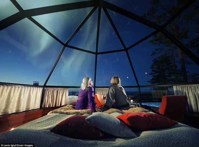 Ghé Phần Lan ngắm cực quang trong lều tuyết bằng kính - Ảnh 2.