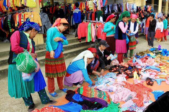 Du ngoạn Hà Giang, ngắm đồng bào đi chợ vùng cao - Ảnh 11.