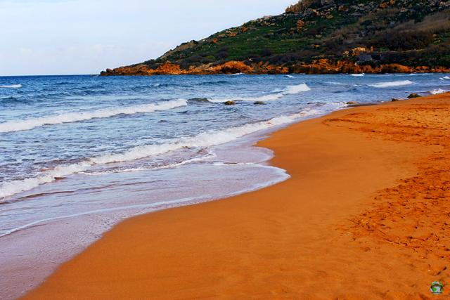 7 nơi 'biển xanh, nắng vàng' nhưng... cát hồng, cát đỏ, cát cam - Ảnh 7.
