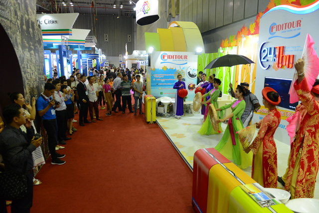 Hàng ngàn người dự khai mạc Hội chợ Du lịch quốc tế, tìm hiểu khuyến mãi - Ảnh 8.