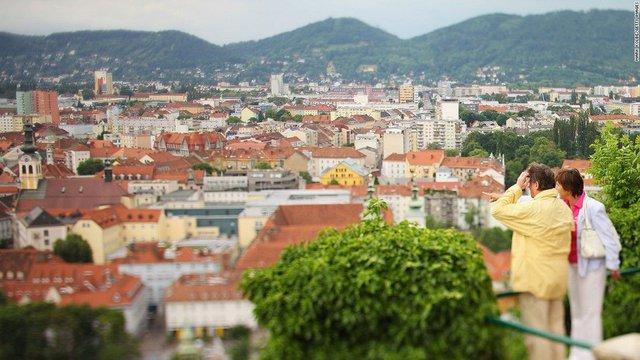 Hà Nội và TP.HCM vào danh sách 150 thành phố ít căng thẳng nhất thế giới - Ảnh 9.