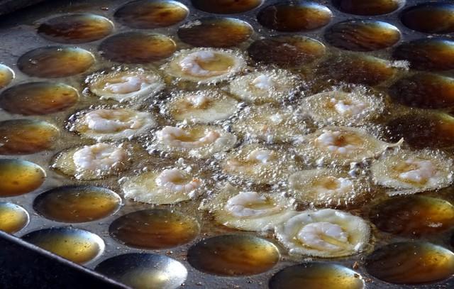Đi Vũng Tàu ăn bánh khọt, lẩu cá đuối, cháo hào - Ảnh 1.