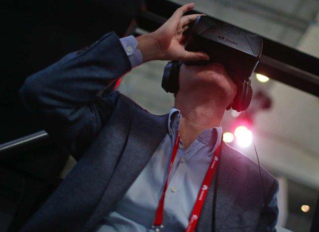 Facebook sẽ bán kính thực tế ảo Oculus VR giá chỉ 200 USD - Ảnh 1.