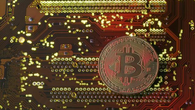 Ấn Độ quay lưng với bitcoin và các đồng tiền điện tử khác - Ảnh 1.