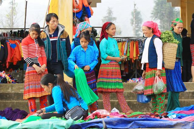 Du ngoạn Hà Giang, ngắm đồng bào đi chợ vùng cao - Ảnh 7.