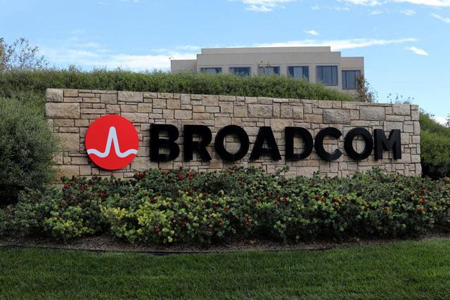 Broadcom chào mua Qualcomm với giá hơn 100 tỉ USD - Ảnh 1.