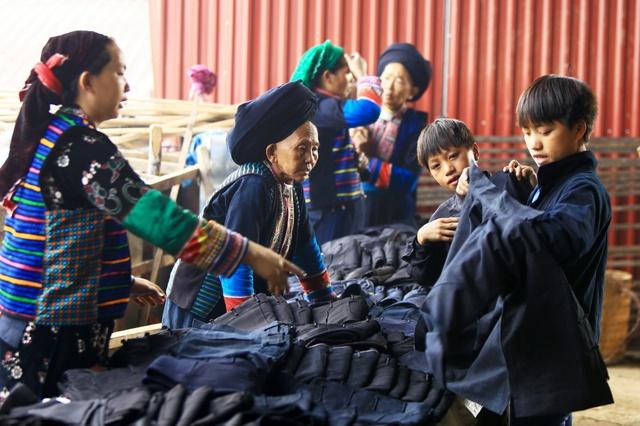 Du ngoạn Hà Giang, ngắm đồng bào đi chợ vùng cao - Ảnh 4.