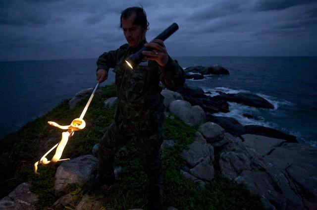Rùng mình trước đảo rắn độc nhất thế giới ở Brazil - Ảnh 6.