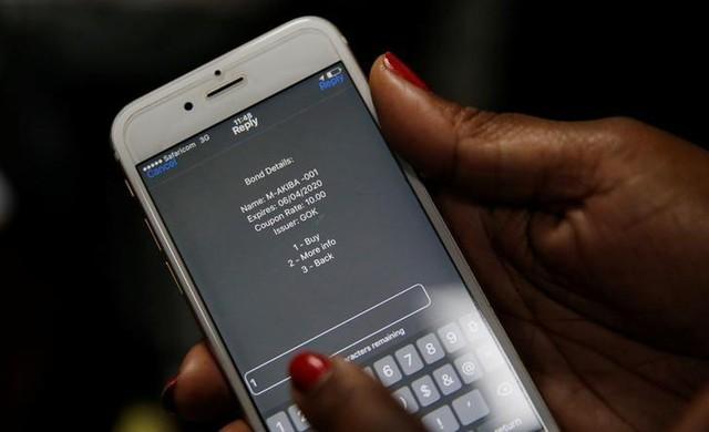 Kenya bán trái phiếu chính phủ qua điện thoại di động - Ảnh 1.