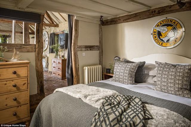 Thăm căn nhà 500 năm tuổi nằm giữa rừng sâu ở Anh - Ảnh 7.