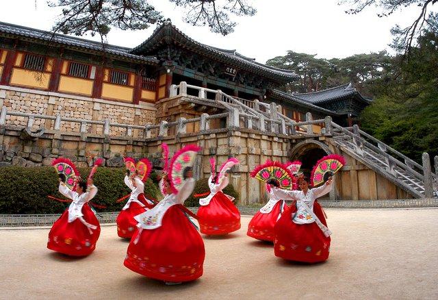 Khách TP.HCM đi du lịch Hàn Quốc chưa bao giờ dễ dàng như thế - Ảnh 1.