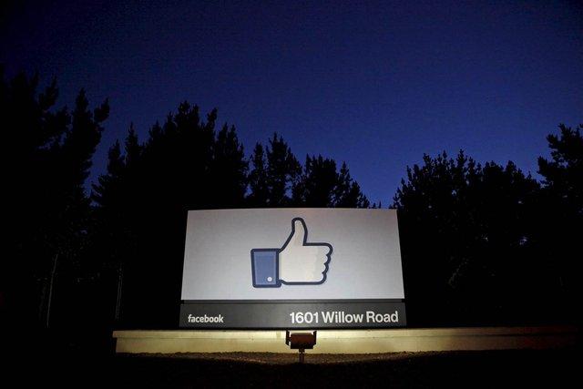 Các nhà quảng cáo gây sức ép với Google, Facebook - Ảnh 1.