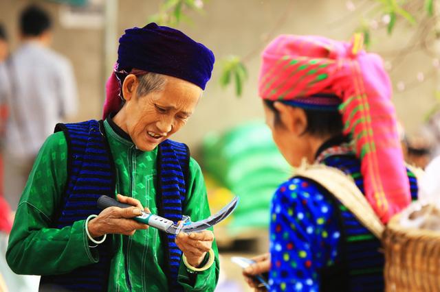 Du ngoạn Hà Giang, ngắm đồng bào đi chợ vùng cao - Ảnh 5.