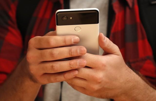 Điện thoại Pixel của Google khác gì với các mẫu iPhone? - Ảnh 1.